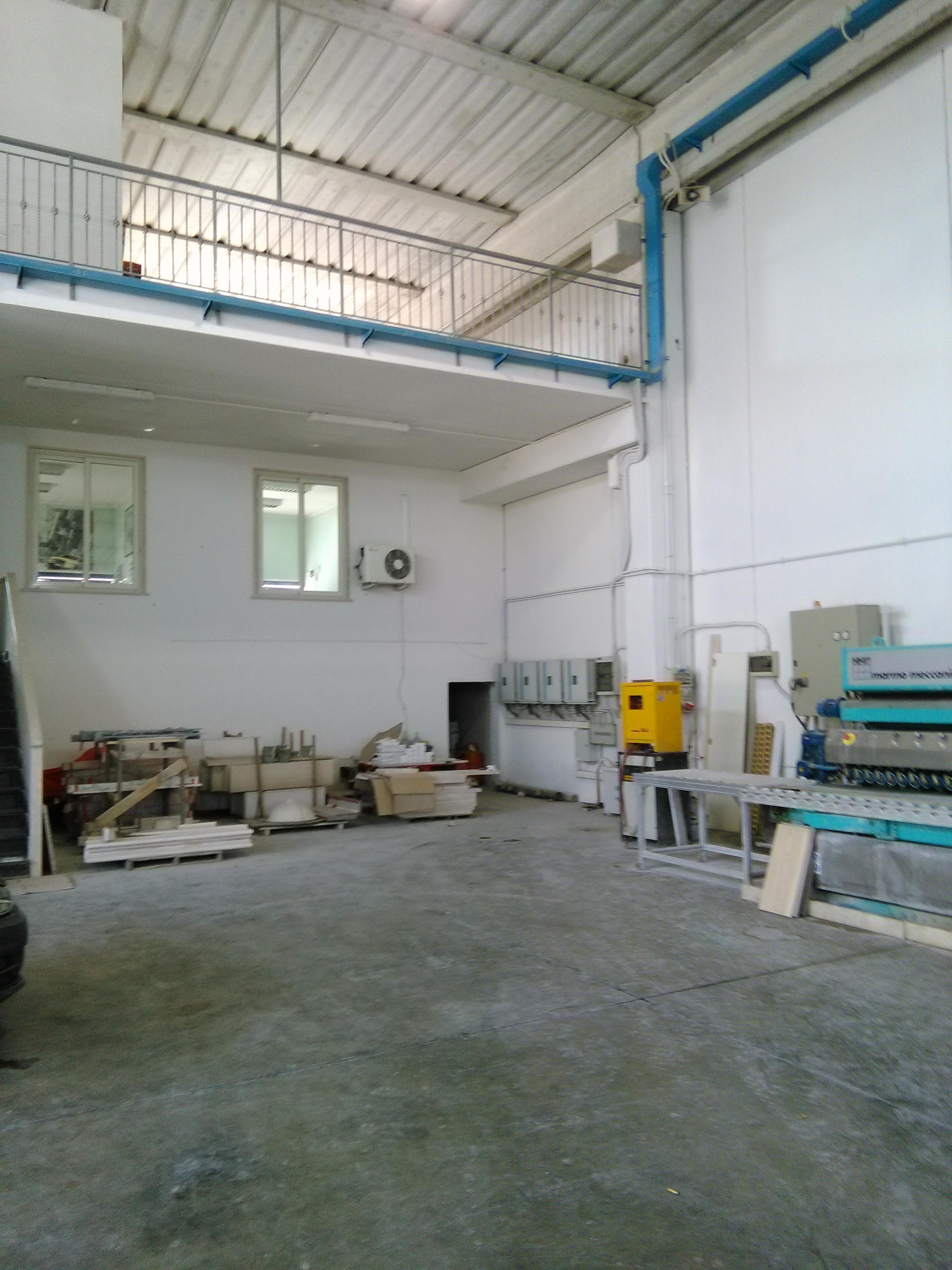Affitto o vendita capannone ostia antica industriale for Affitto ufficio ostia